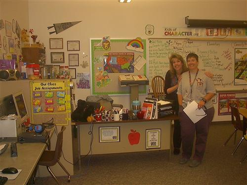Picture of Mrs. Davis with Mrs. McDevitt in her classroom.